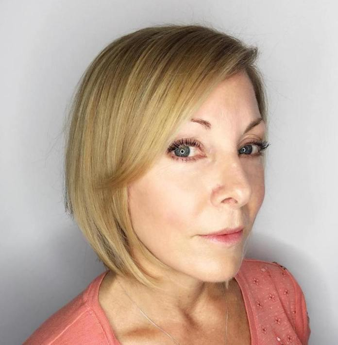 Simple-Style Gorgeous Hairstyles and Haircuts for Women Over 40