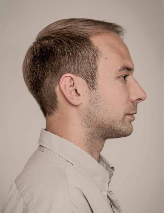 Straightforward-and-Striking-Hair Mens Hairstyles with Thin Hair for Ultra Stylish Look