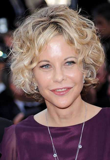 Stylish-and-Short-Curly-Hair Short Curly Women's Hairstyles