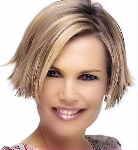 Symmetric-Short-Haircut Short Haircuts for Straight Hair