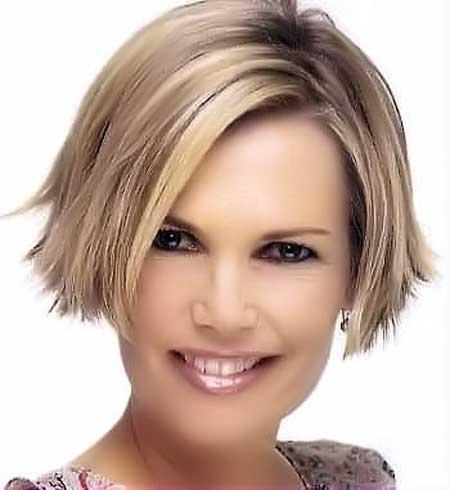 Symmetric-Short-Haircut Short Haircuts for Straight Hair