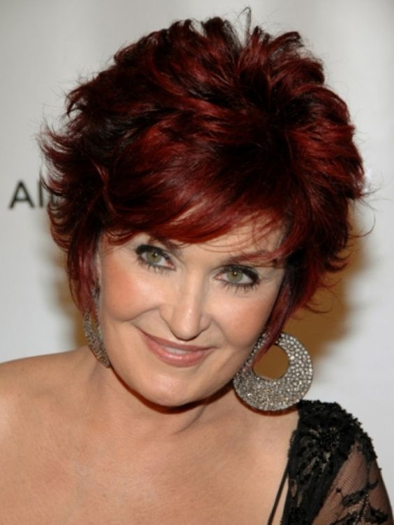 The-Hot-Color-Bob 12 Stylish shoulder-length hairstyles for women Over 50