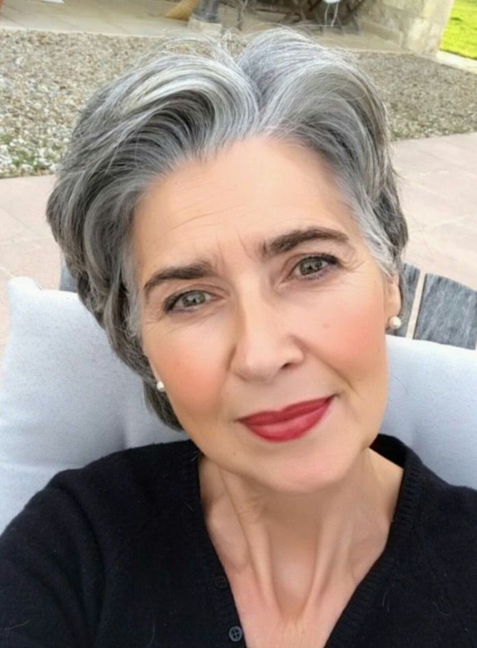 Thick-Beachcomber Glamorous Grey Hairstyles for Older Women