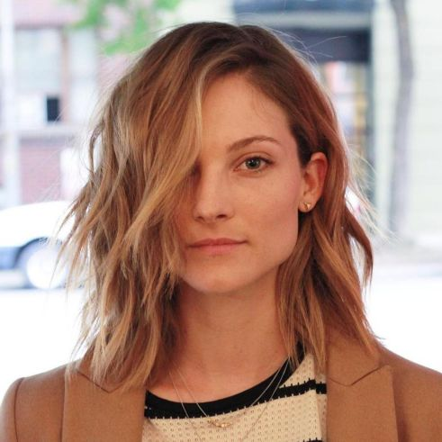 Trendy-Shaggy-Messy-Lob 6 Tips to choose the right hairstyles for square faces