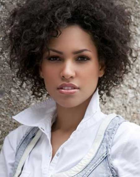 Very-Curly-Hair-with-Volume Short Curly Women's Hairstyles
