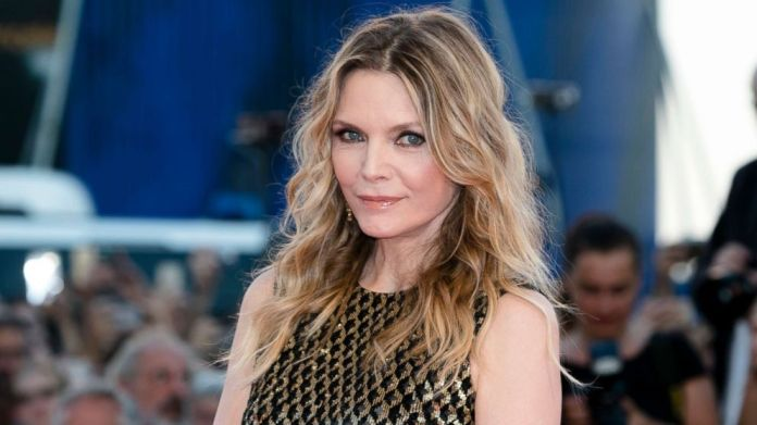 Wavy-Hairstyle-for-Women-Over-50 Wavy Hairstyles for Women Over 50 – Look Young And Beautiful