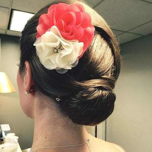 Double-Flower-and-Sleek-Chignon Quick and Easy Short Hair Buns to Try