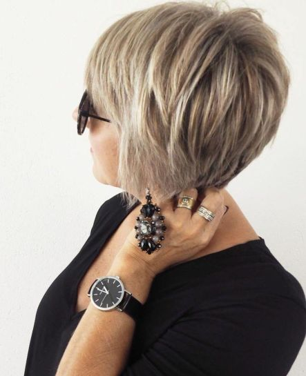 Edgy-Pixie-Bob 15 Beautiful pixie cuts for older women