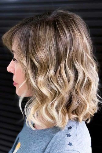 Facy-flipped-layers-for-thick-hair 15 Graceful Medium Length Haircuts for Thick Hair