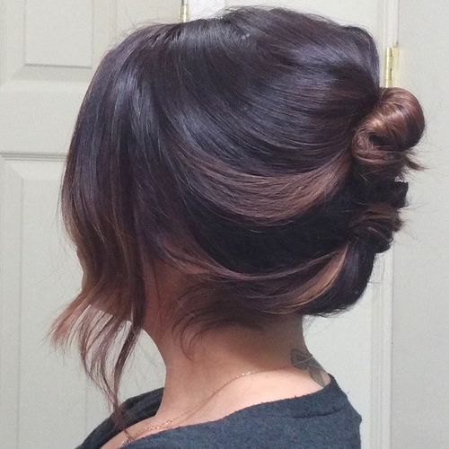 Loose-French-Knot Quick and Easy Short Hair Buns to Try