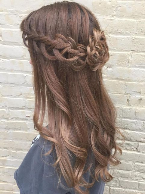 Lovely-Loose-Braids Best Trendy Half-up, Half-Down Hairstyles you must try.