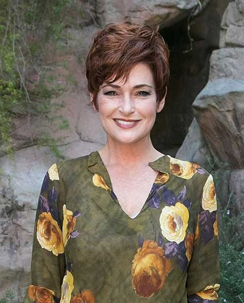 Nice-Mid-Length-Pixie-Cut-for-Over-50 Elegant Pixie Hairstyles For Women over 50
