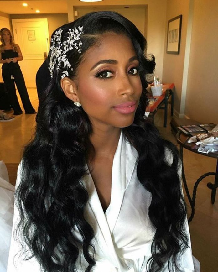 Open-Curly-Hair-with-Side-Puffy-Bangs Awesome Long Hairstyles for Black Girls