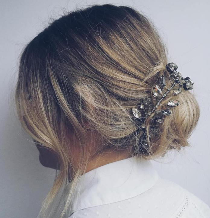 Short-Hair-Bun-Accessorizing Quick and Easy Short Hair Buns to Try
