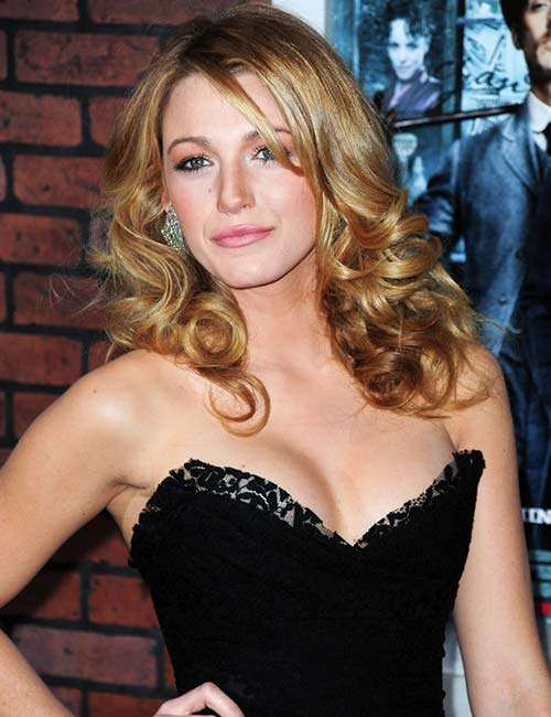Shoulder-Length-Layers-On-Low-Curls Top 10 Glamorous layered curly hairstyles
