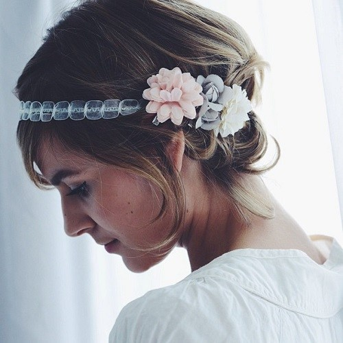 Simple-Bob-Updo-with-a-Floral-Headband 15 eye-catching Prom Hairstyles for Short Hair