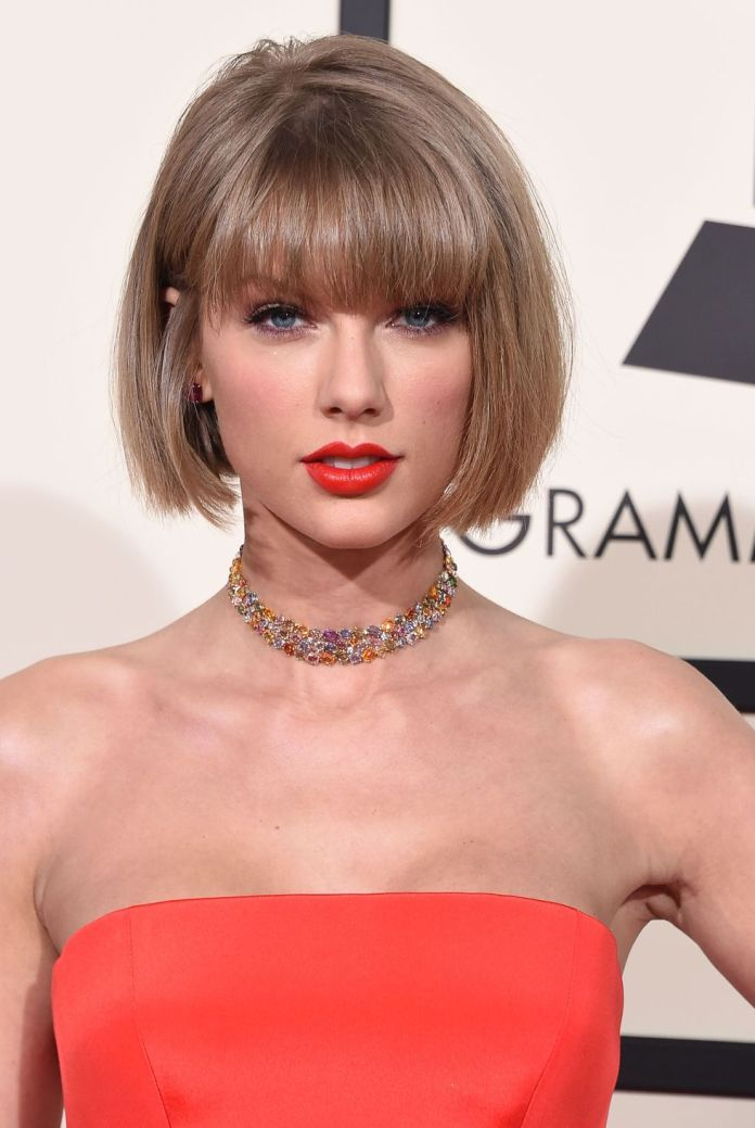 Taylor-Swift-blunt-bob 10 Trendy Blunt Bobs Hairstyles