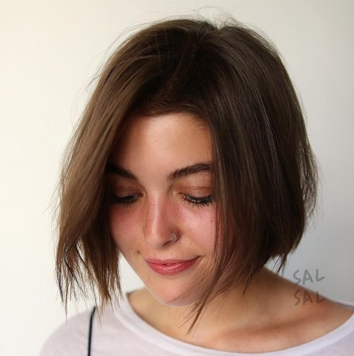Teased-Razored-Bob 14 ideas of short haircuts for round faces