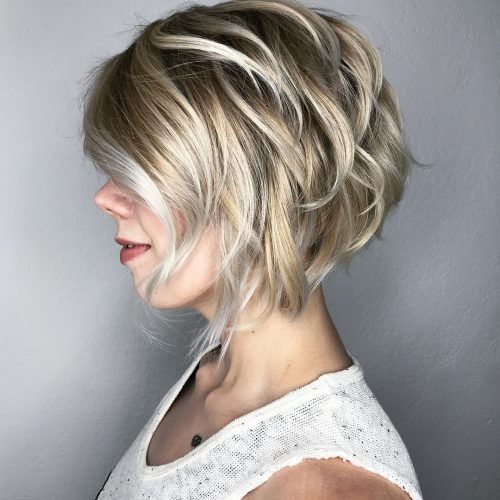 stylish-stacked-short-layered-bob 12 Winning-looks Layered Bob Hairstyles