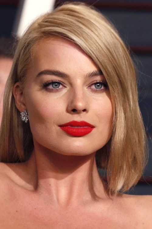 Blunt-Asymmetrical-Bob 13 On-trend Bobs and their variations in 2020