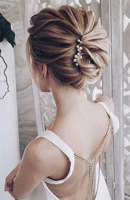 Bridesmaid-Updo 15 Super Chic Updo Ideas for Short Hair