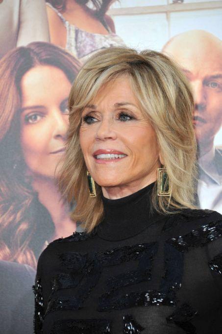 Jane-Fonda's-Signature-Layered-Hairstyle Hairstyles for Women Over 60