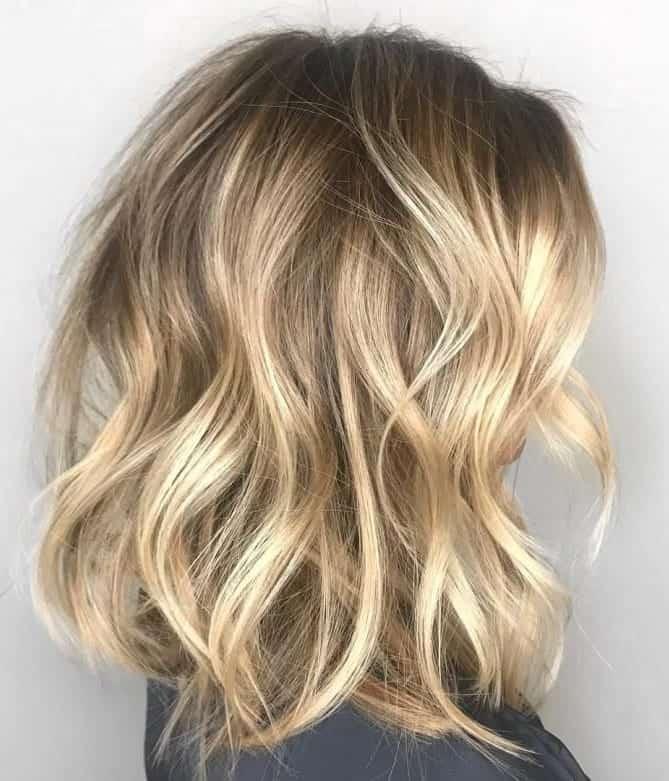 Long-Beachy-Waves Flattering Wavy Bob Hairstyles for Women