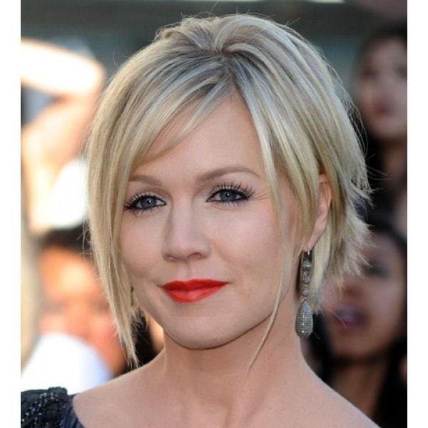 Long-strands-1 Quick and Easy Short Weave Hairstyles