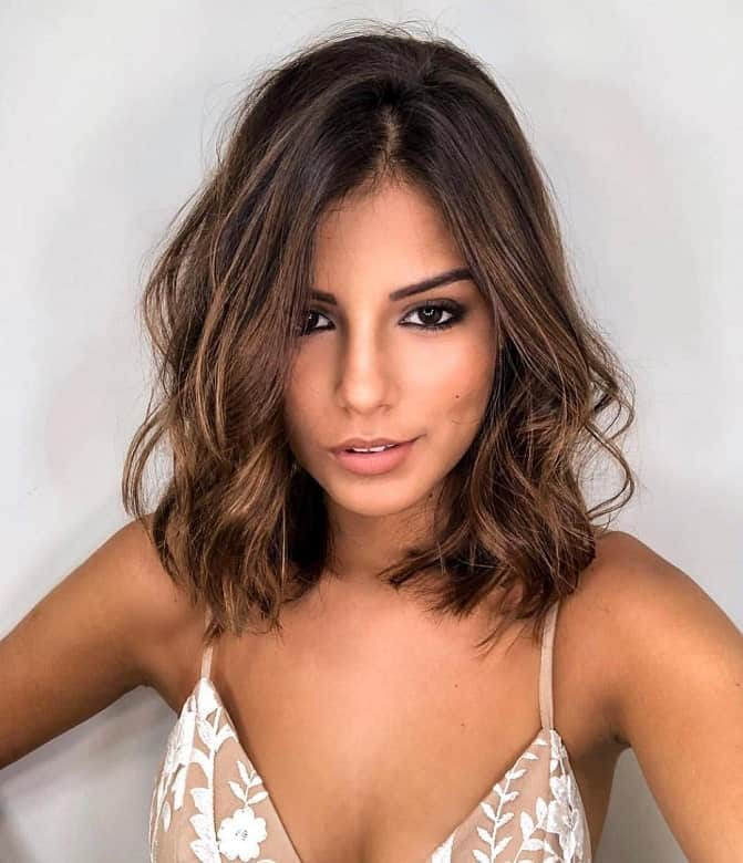 Messy-and-Wavy Amazing Medium Length Bob Hairstyles to Explore