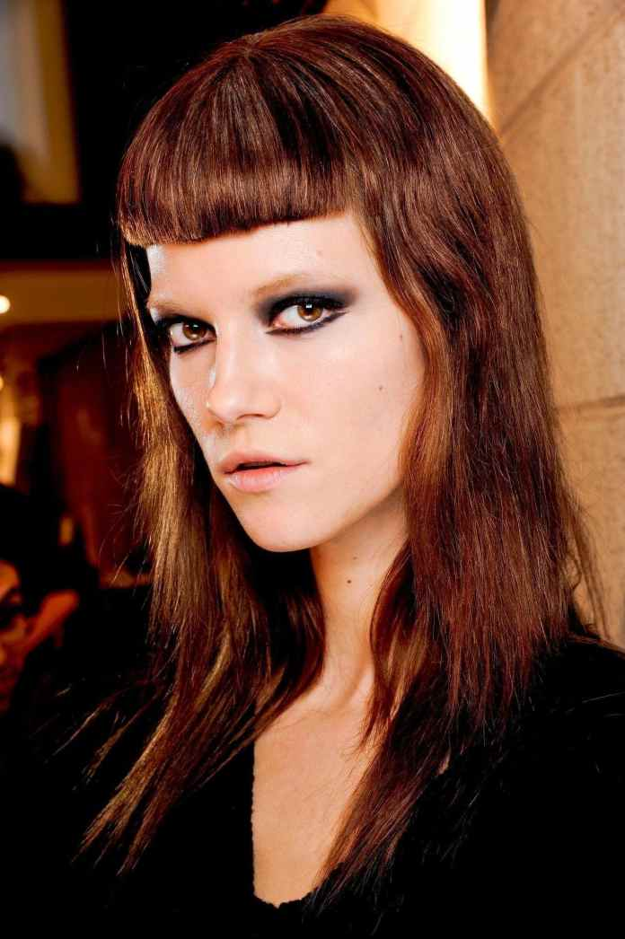 Micro-Fringe Dazzling Straight Hairstyles for a Diva Look