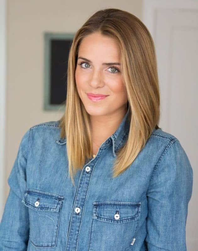Natural-Full-Highlights Attractive Medium Brown Hairstyles with Blonde Highlight