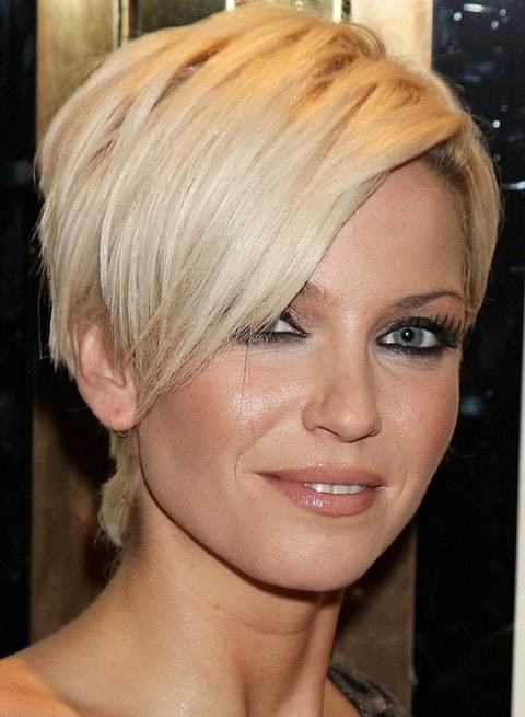 Neck-cascade Cutest Bob Haircuts for Women to Bump Up The Beauty