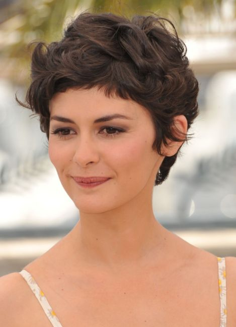 Pixie-With-A-Tendency-To-A-Curl 14 Flattering Pixie Cuts That Will Inspire your next cut