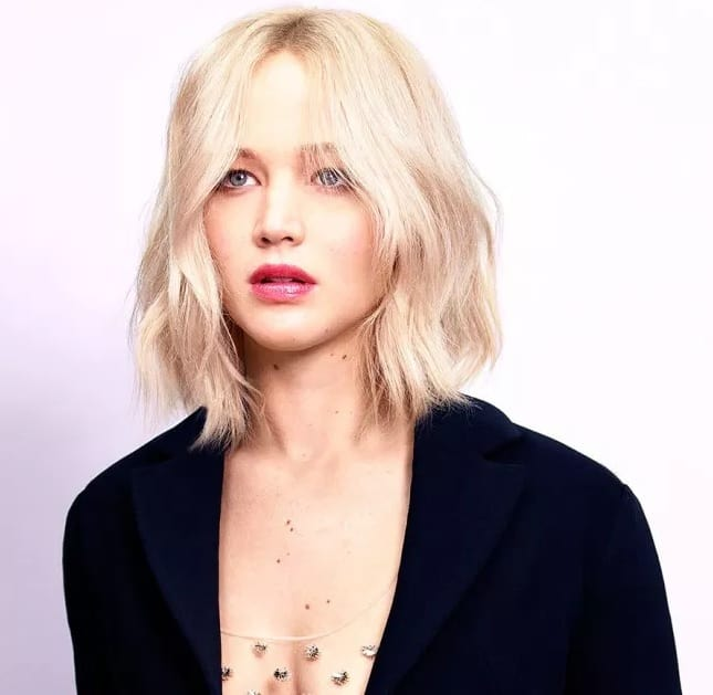 Platinum-Bob-with-Waves Flattering Wavy Bob Hairstyles for Women