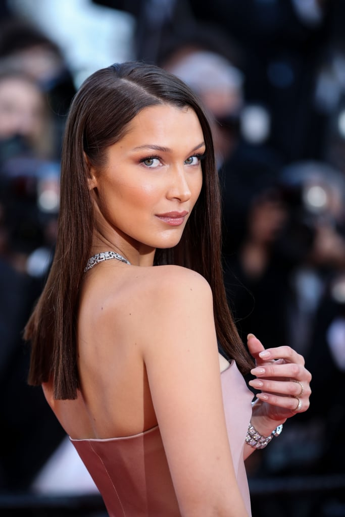 Sideways-Straight Dazzling Straight Hairstyles for a Diva Look
