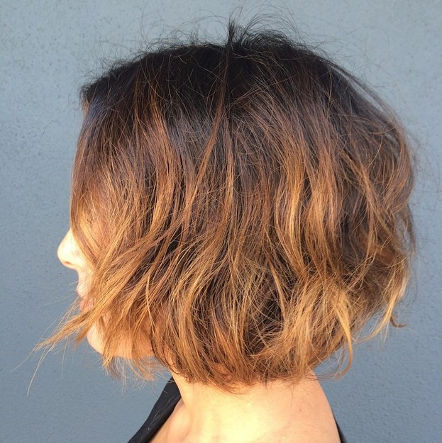 Two-Tone-Messy-Choppy-Bob Gorgeous Choppy layered bobs in 2020