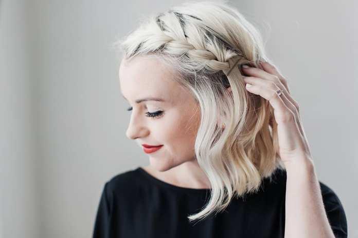 Blonde-Side-Braid-Hairstyle Most Amazing Medium Braided Hairstyles