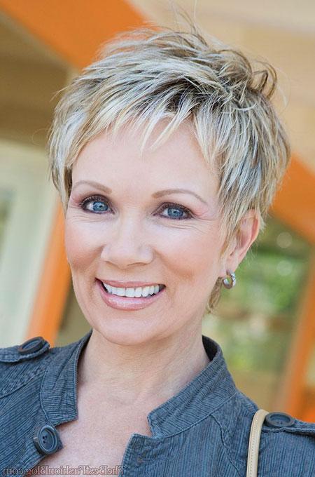 Casıal-Hair 19 Great Pixie Haircuts for Older Women