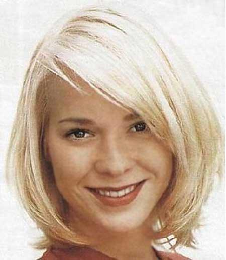 Casual-Thin-Straight-Line-Bob 25 Blonde Bob Haircuts