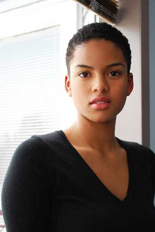 Cute-Natural-Curly-Afro-Haircut-with-Shaved-Sides Naturally Short Hairstyles for Beautiful Black Women