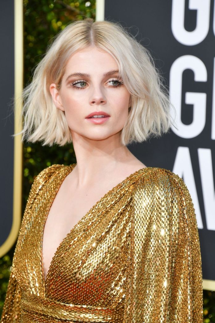 Flipped-Out-Bob 12 Hairstyles for Fine Hair That Won't Fall Flat