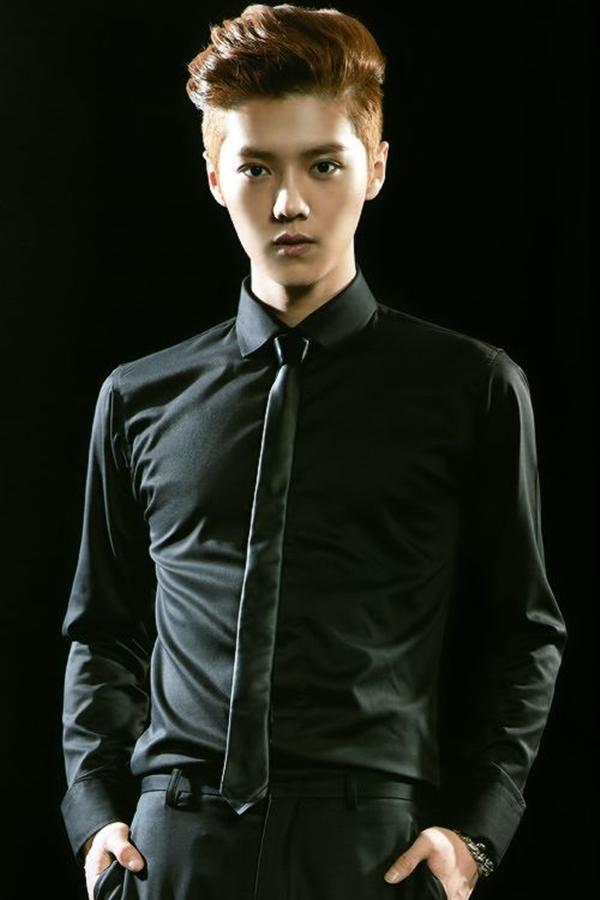 Golden-Brown-Swept-Back-Hair Dashing Korean Hairstyles for Men
