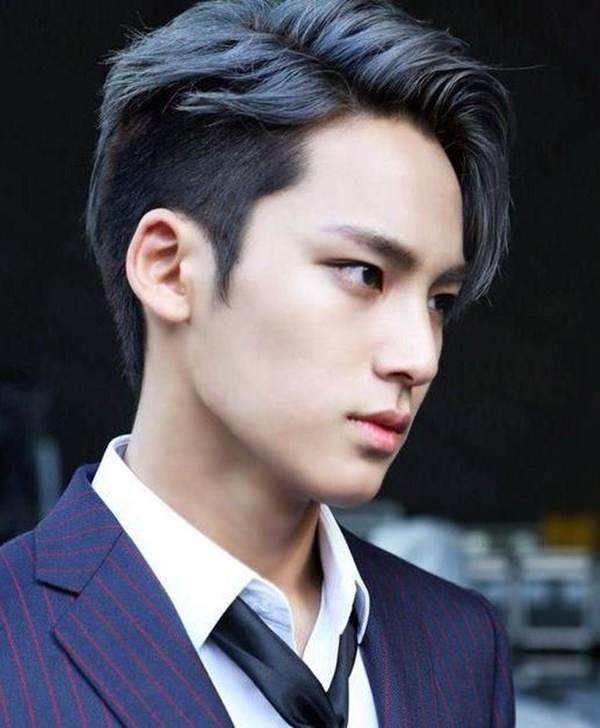 Layered-Haircut-with-an-Undercut Dashing Korean Hairstyles for Men