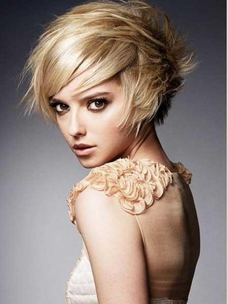 Messy-Blonde-Spiky-Short-Hairdo Gorgeous Layered Cut Bob Hairstyles