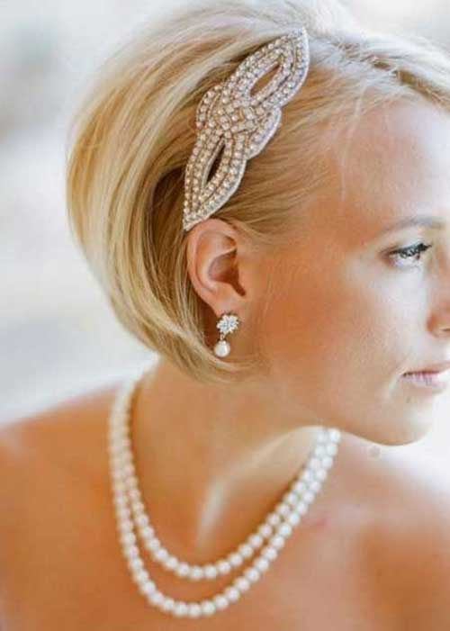 Modern-Short-Hair-Bob-with-Bobby-Pin-for-Wedding-2020 15 Elegant Wedding Hairstyles for Bob Haircut