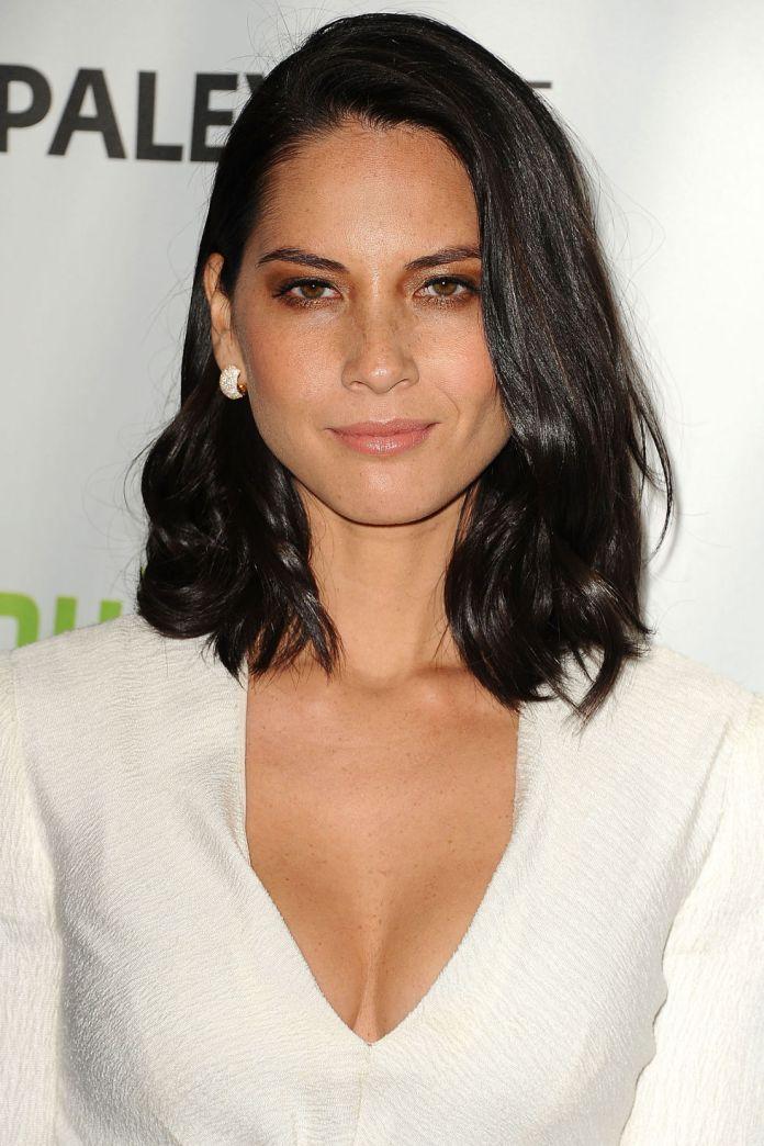 Shiny-Black-Lob-Cut- Lob Haircuts 2020 for Ultra Glamorous Looks