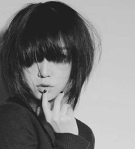 Short-Straight-Dark-Bob New Bob Hairstyles 2020