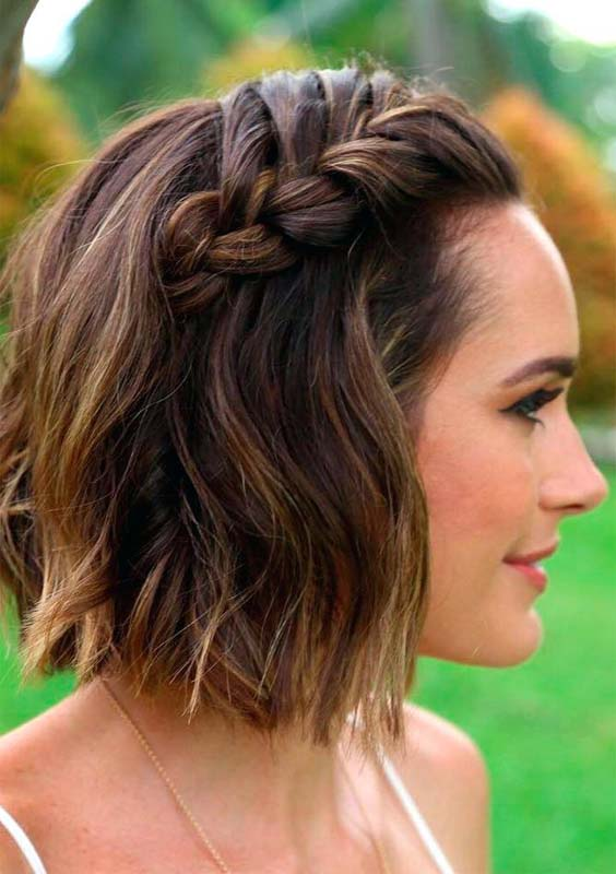 Side-Braid-on-Shag-Hairstyle Most Amazing Medium Braided Hairstyles