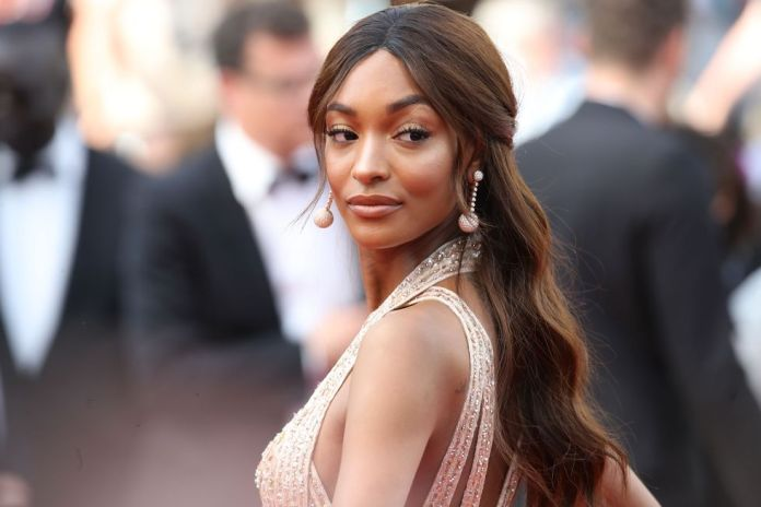 Sophisticated-Waves 14 Stunning Long Hairstyles To Try In Summer Time