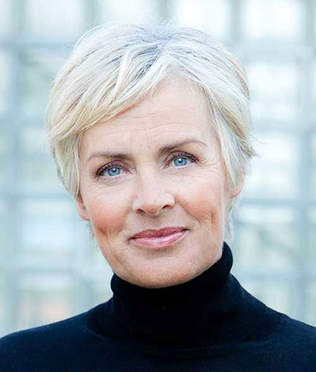 Trendy-Hair 19 Great Pixie Haircuts for Older Women